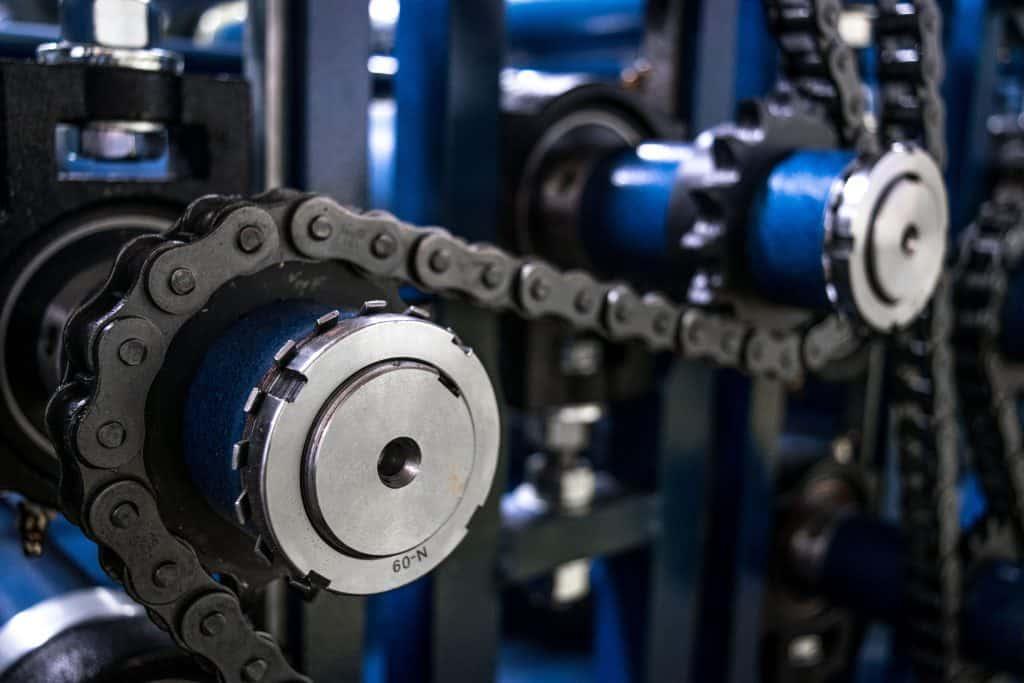 stiff roller chain